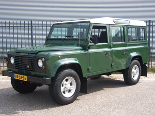 Land Rover Defender 110 300 Tdi County Station Wagon 9 seater Gerestaureerd/ Orig. NL/ Lage km's/ Uniek