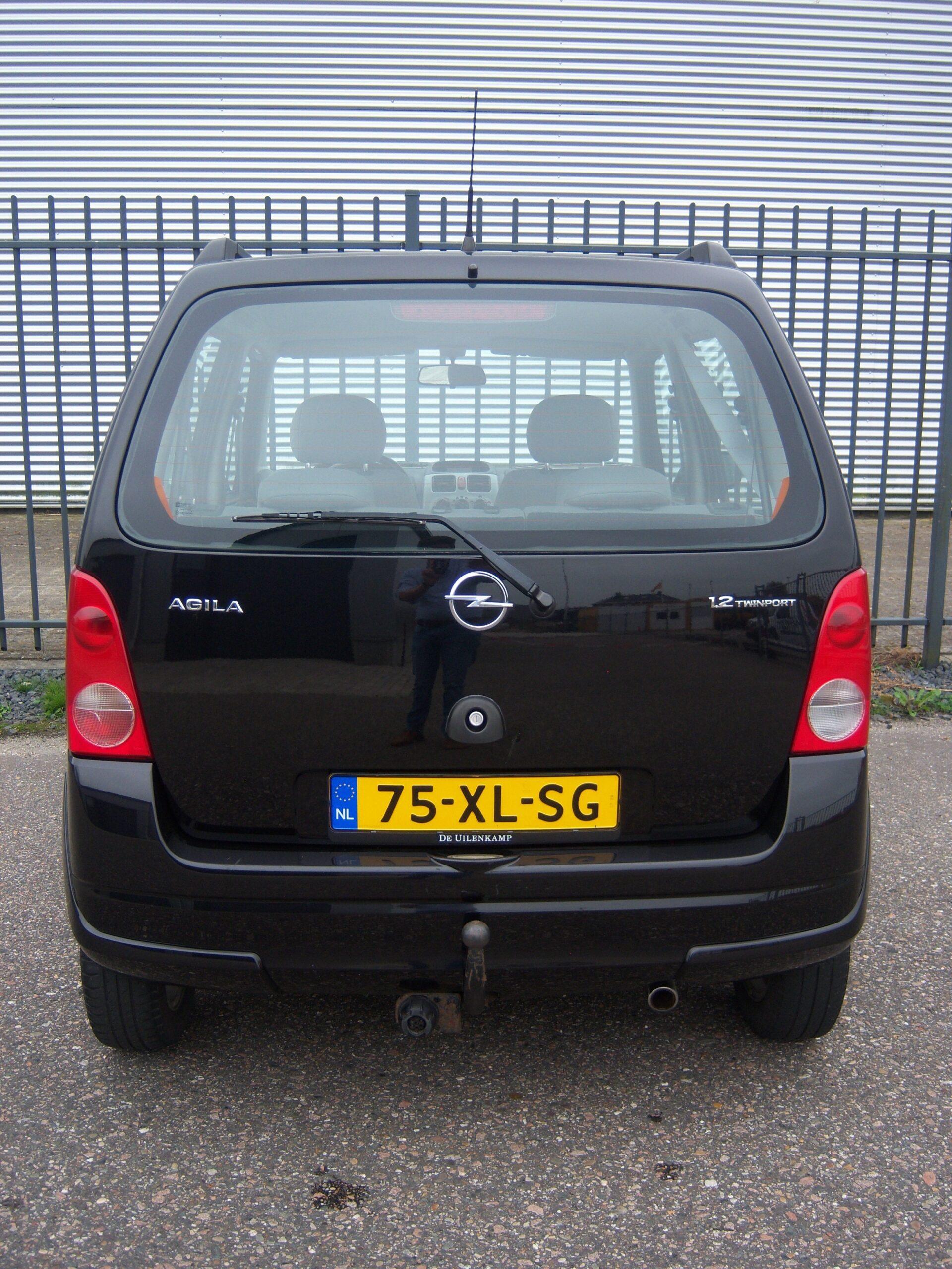 Opel Agila 1.2 16V Temptation/ 124dkm/ Airco/ El. Ramen/ Leder stuur